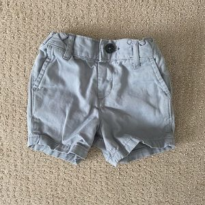 The Children's Place Gray Chino Shorts Size 9-12M